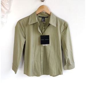 New Yansi Fugel Stretchy Green Button Down Top